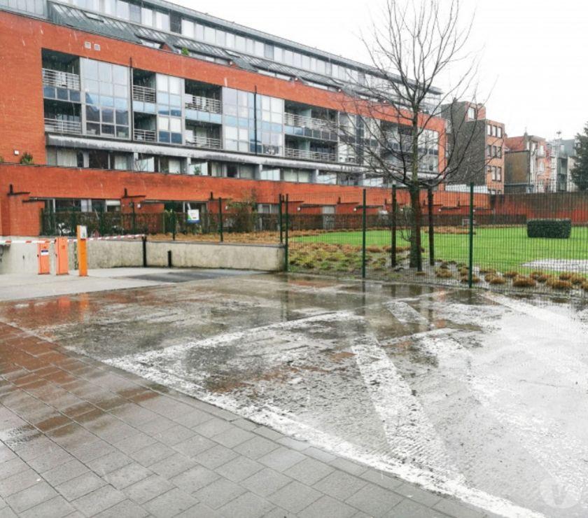 Location parking & garage Gent - 9000 - Photos Vivastreet Parking à louer Gand Hospitaalstraat