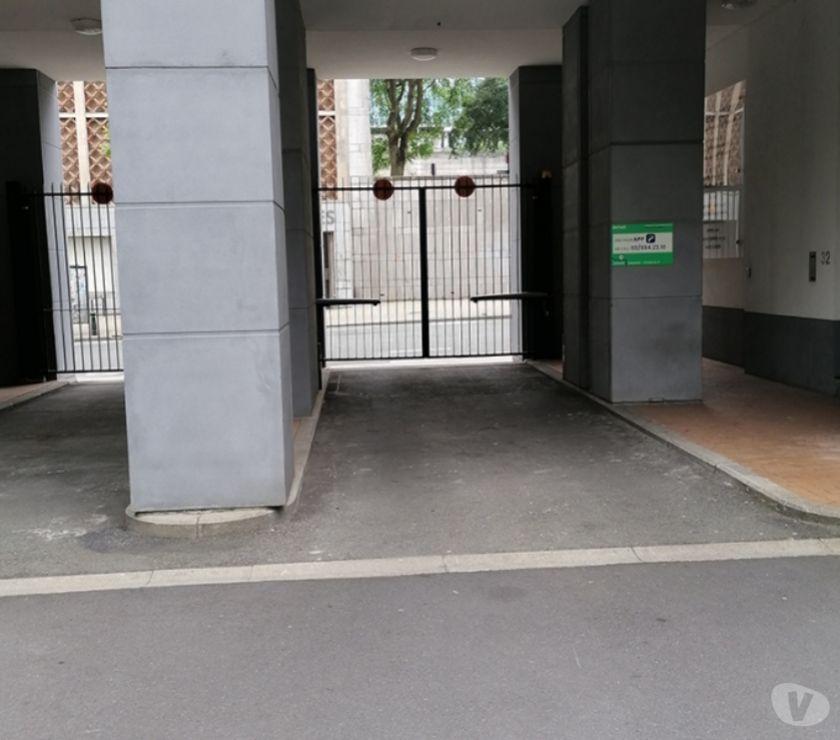 Location parking & garage Bruxelles Bruxelles - 1000 - Photos Vivastreet Parking à louer Congres Brussel