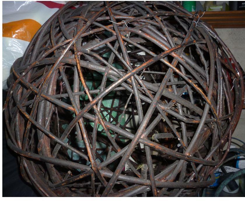 Photos Vivastreet Grosse boule en osier ( lustre)