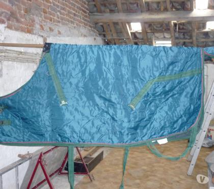 Photos Vivastreet Couverture verte pour cheval avec couvre queue
