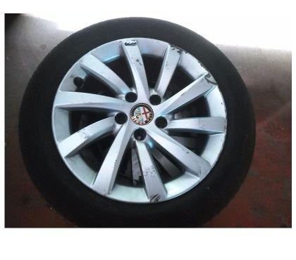 Photos Vivastreet pneus sur jantes Alfa Giulietta 16