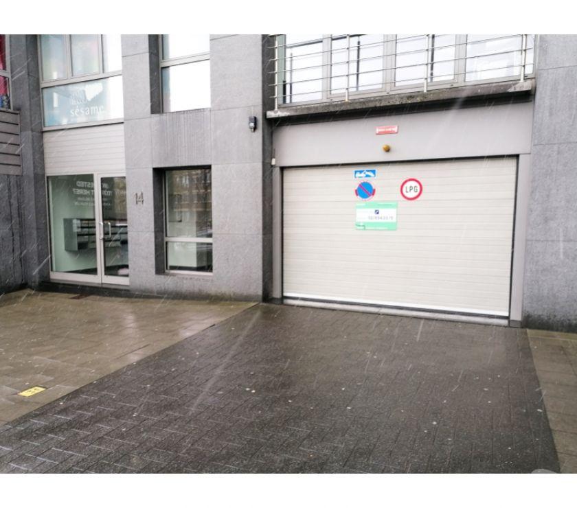 Location parking & garage Schaerbeek - 1030 - Photos Vivastreet Parking à louer - te huur Avenue Albert