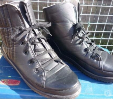 Photos Vivastreet Bottines noires fourrées a lacets unisexe femme ou homme P43