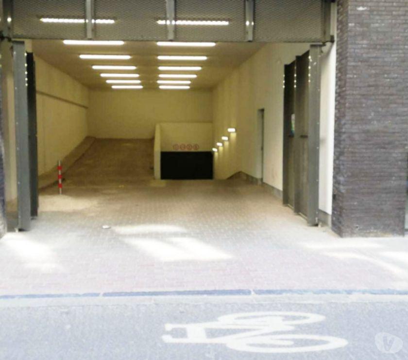 Location parking & garage Ixelles - 1050 - Photos Vivastreet Parking à louer - te huur Maison Communale d'Ixelles