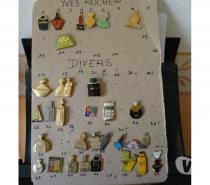 Photos Vivastreet PIN'S thème PARFUM ET COSMETIQUES