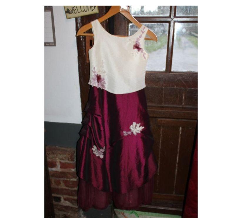 Vêtements occasion Seine-Maritime St Denis sur Scie - 76890 - Photos Vivastreet Robe pour cérémonie mariage