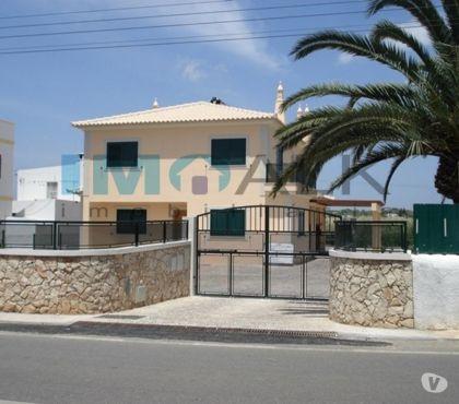 Photos Vivastreet Villa de 4 chambres avec jardin à Fuseta en Algarve V-543