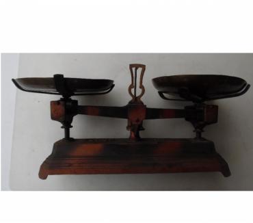 Photos Vivastreet Collection: Balance Roberval force 5 kg avec les plateaux
