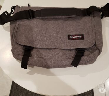 Photos Vivastreet Eastpack besace gris