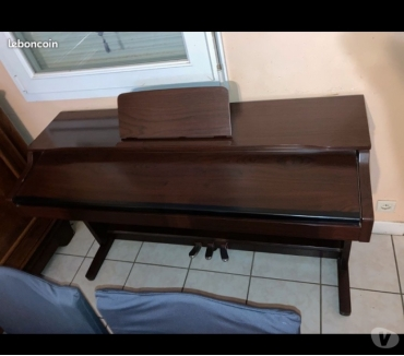Photos Vivastreet Piano digital STAGG STP-710 RW