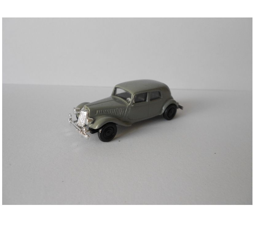 Photos Vivastreet HO 187 BREKINA CITROEN TRACTION GRIS CLAIR
