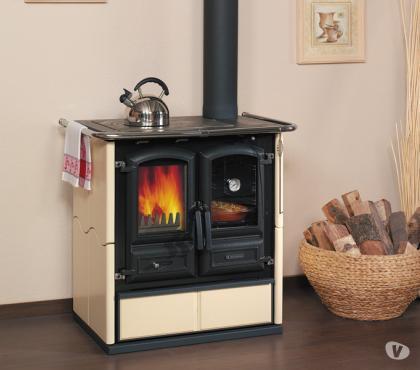 Photos Vivastreet promo cuisiniere à bois neuve et garantie HARK - CORRADI