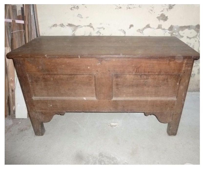 Photos Vivastreet Ancienne huche d'époque en chêne