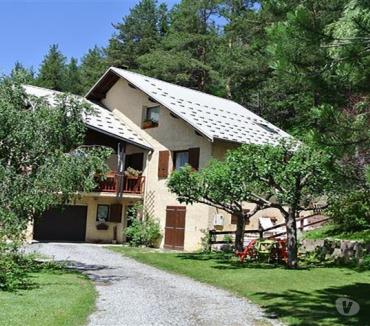 Photos Vivastreet Proximité de Briançon - Maison de 280m² sur 956m² de jardin...