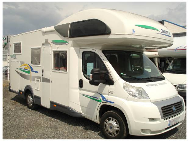 Camping car chausson welcome 18 lit sur garage narbonne for Garage auto narbonne