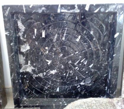 Photos Vivastreet Bac à douche en marbre fossilisé 100 x 100 et sur mesure