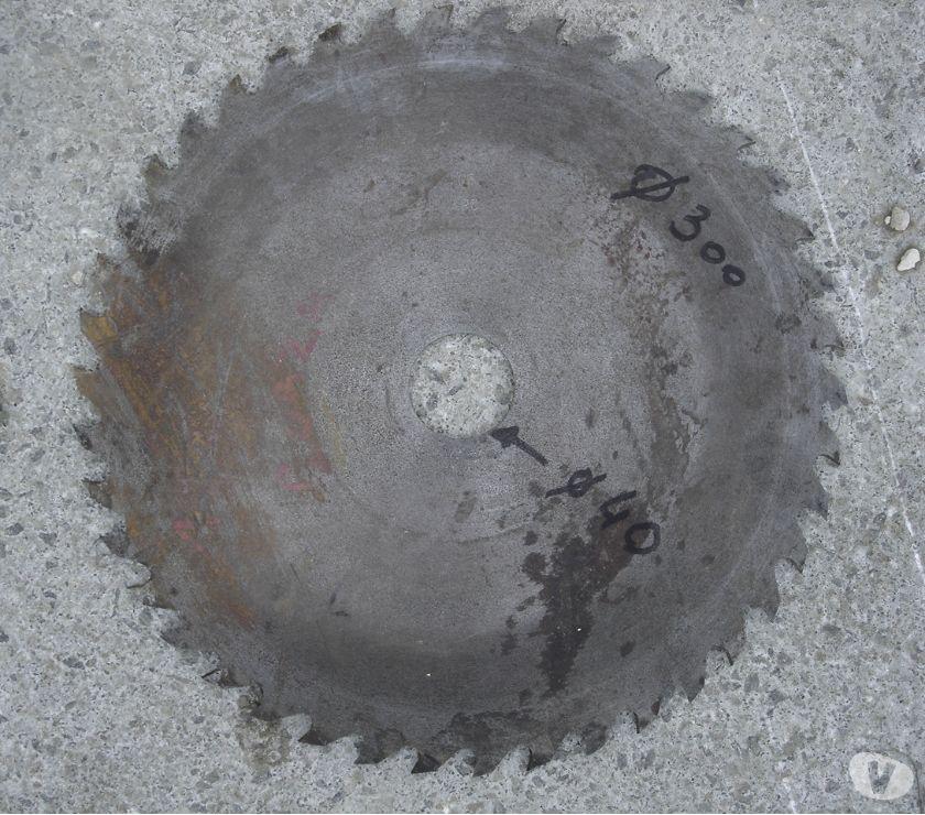 Photos Vivastreet lame de scie diamètre ext 300 axe 40