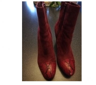 Photos Vivastreet Bottines daim rouge Bordeaux pointure 39 porté 38