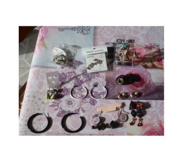 Photos Vivastreet LOT BoucleS oreille fille ciné femme lolita mode film