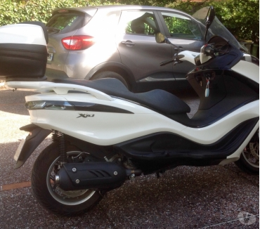 Photos Vivastreet Scooter Piaggio 125 IE executive