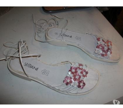 Photos Vivastreet Sandales spartiates Blanc Fleuri Rose pt 38-neuves-