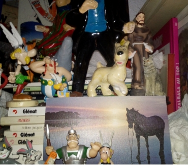 Photos Vivastreet FIGURINES CINE BD MUSIQUE...
