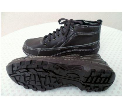 Photos Vivastreet Chaussures de marche marron