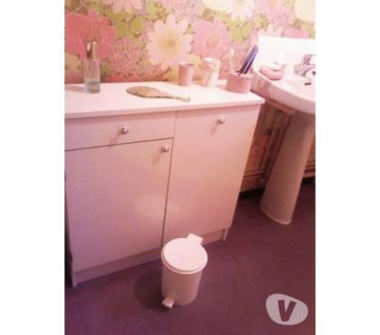Photos Vivastreet 1 ou 2 meubles blancs + armoire toilette miroir
