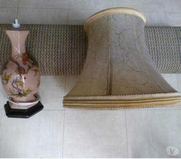 Photos Vivastreet lampe et grand abat jour ancien, aspirateur, meuble d'angle