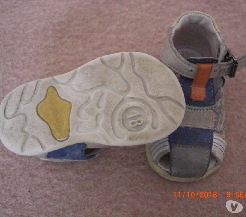Photos Vivastreet 1 PAIRE CHAUSSURES DE PRE-MARCHE BABYBOTTE T.18 EN CUIR