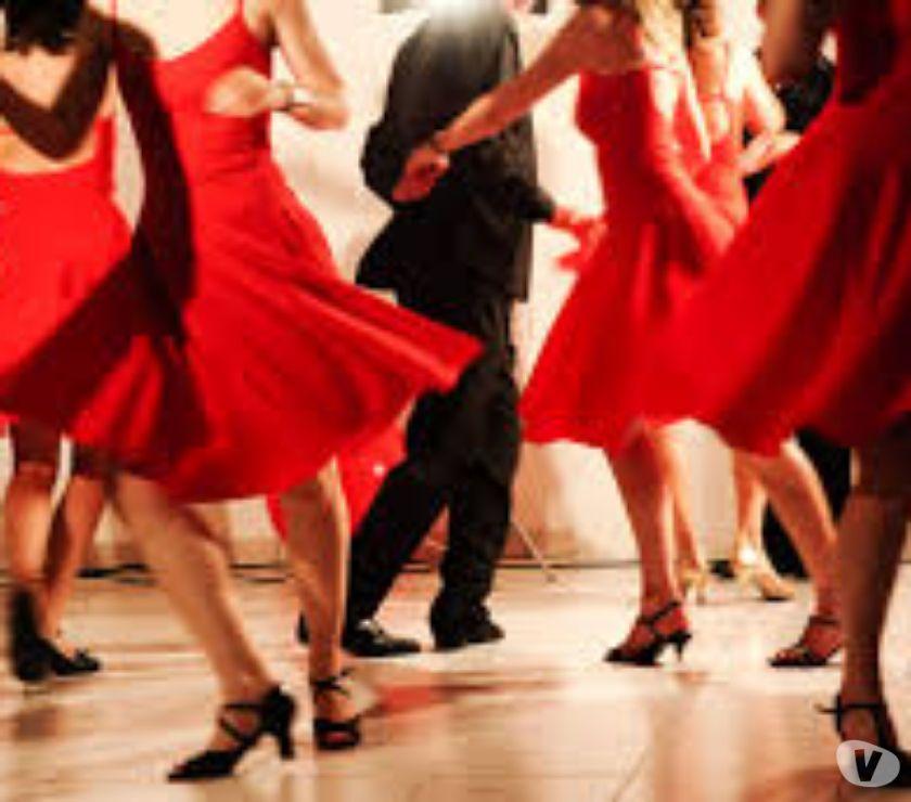 Photos Vivastreet COURS DE DANSE DE SALON, ROCK ET LINE DANCE