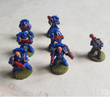 Photos Vivastreet 6 SPACE MARINE + 1 SCOUT (roquette)