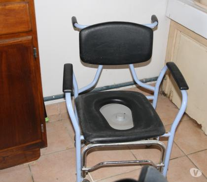 Photos Vivastreet Fauteuil médical usage normal + toilette à roulettes tbe