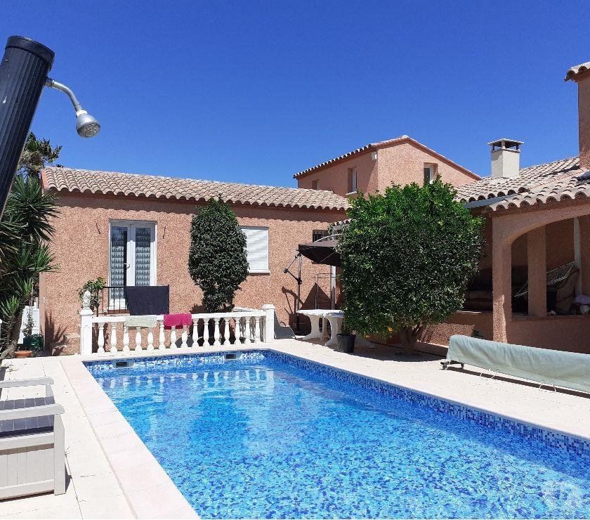 location saisonniere Pyrénées-Orientales Canet en Roussillon - 66140 - Photos Vivastreet Loue Belle Villa Pyrénées Orientales avec piscine 4x10m