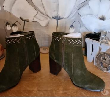 Photos Vivastreet Très belles bottines vert cuir et daim .P39. Neuves.