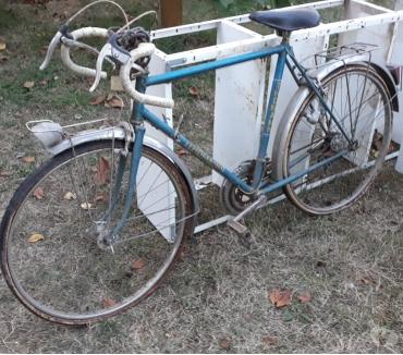 Photos Vivastreet VELO VINTAGE-Vélo ancien FEMME-26 POUCES- VELO AVEC SACOCHE