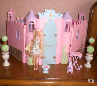 Photos Vivastreet Château de princesse Barbie mini
