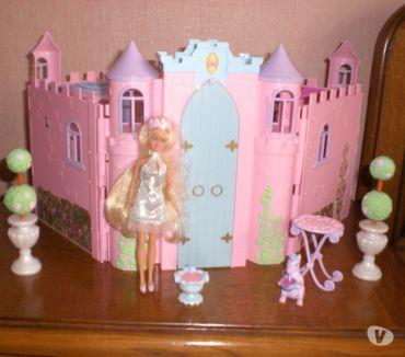 Photos Vivastreet Château de princesse Barbie mini