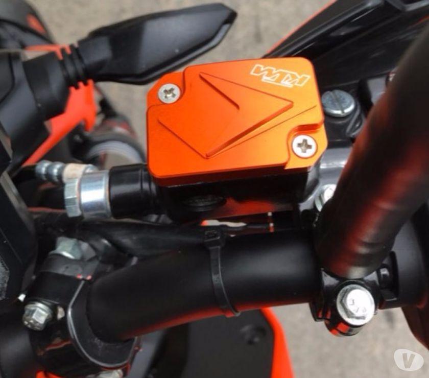 Photos Vivastreet Couvercles maitre cylindre de frein avant pour KTM DUKE