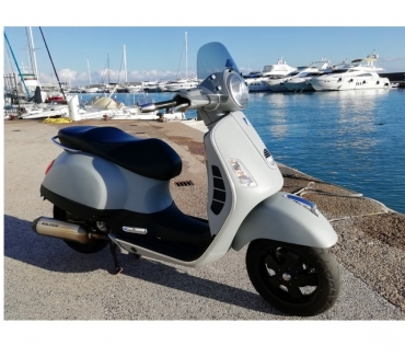 Photos Vivastreet SCOOTER PIAGGIO VESPA 250 GTS ABS + OPTIONS 29000 KMS