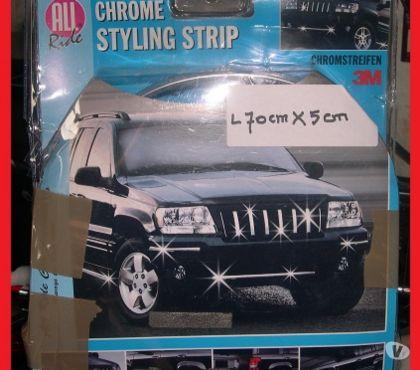 Photos Vivastreet Bande chromée de parechoc auto L 70 cm x H 5 cm neuve