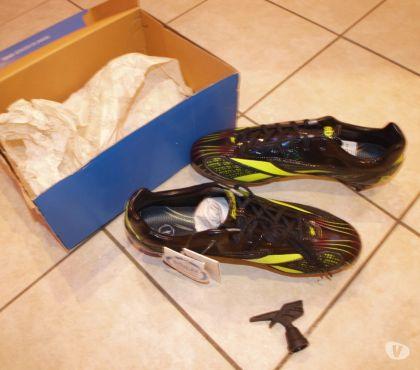 Photos Vivastreet chaussure de foot neuve