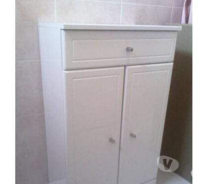 Photos Vivastreet meuble laqué blanc ( 2 portes + tiroir) encore non utilisé