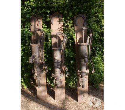 Photos Vivastreet 3 pompes à eau anciennes
