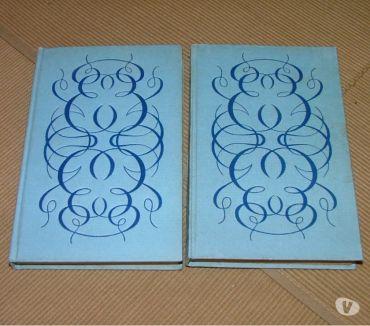 Photos Vivastreet 2 livres de la bibliothèque précieuse