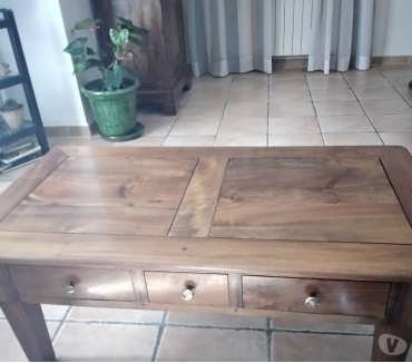 Photos Vivastreet Vends table basse en noyer
