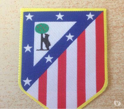 Photos Vivastreet écusson football club atletico de madrid 8x6 cm