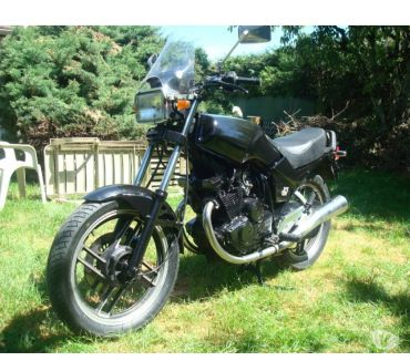 Photos Vivastreet XS400 YAMAHA 1982 COLLECTION REMI A NEUF PNEUS PEINTURE NOI