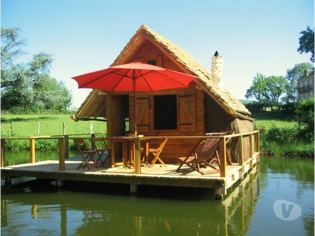 cabane insolite cabane sur l 39 eau domaine d 39 ettevaux. Black Bedroom Furniture Sets. Home Design Ideas