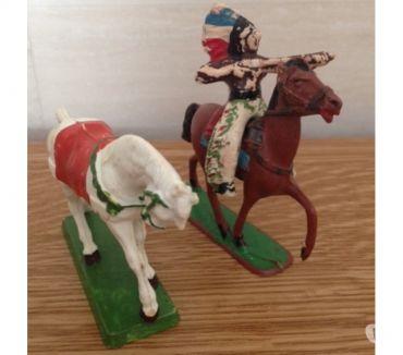 Photos Vivastreet Figurines CHEVAUX (séries Moyen âge, et indien)